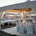 allestimento matrimonio sulla spiaggia twiga