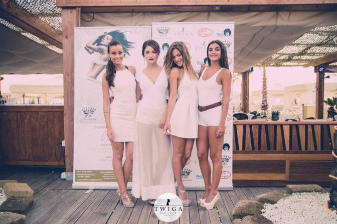 ragazze domenica twiga beach club