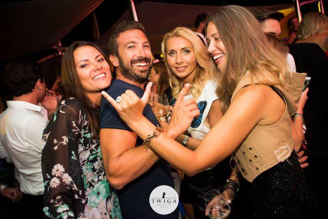 incontrare ragazze in discoteca twiga marina di pietrasanta