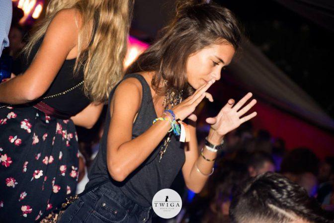 ragazze carine in discoteca twiga forte