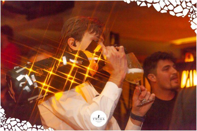come servire lo champagne foto twiga versilia