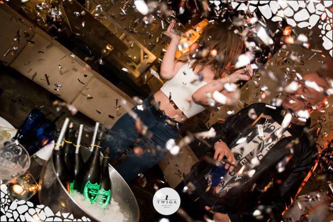 dom perignon al tavolo foto discoteca twiga
