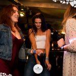 ragazze ballano foto discoteca twiga