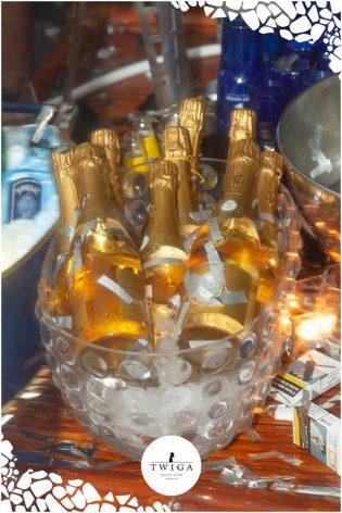 champagne cristal in discoteca