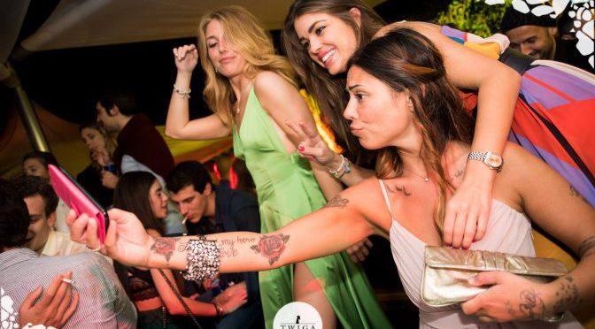 selfie in discoteca
