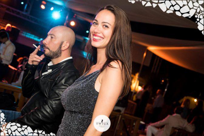 sorridere in discoteca