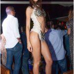 bella ragazza nella discoteca più esclusiva d'italia
