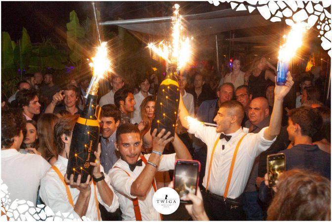 magnum di champagne nella discoteca più esclusiva d'italia