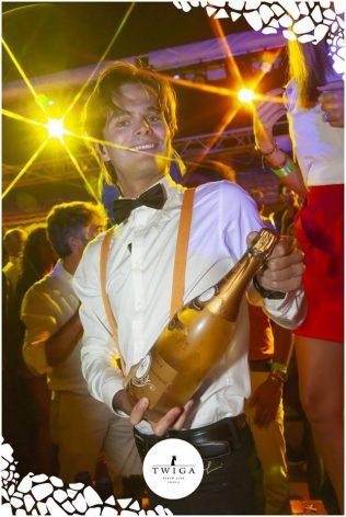 ordinare chmapgne nella discoteca più esclusiva d'italia