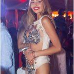 ragazza balla nella discoteca più esclusiva d'italia