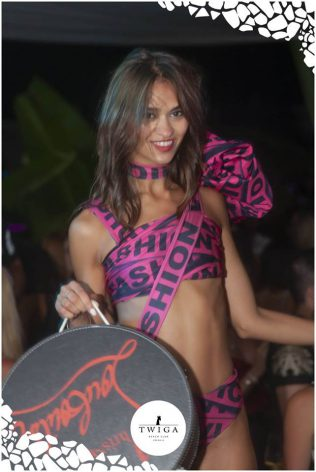 bella ragazza versilia foto twiga beach club
