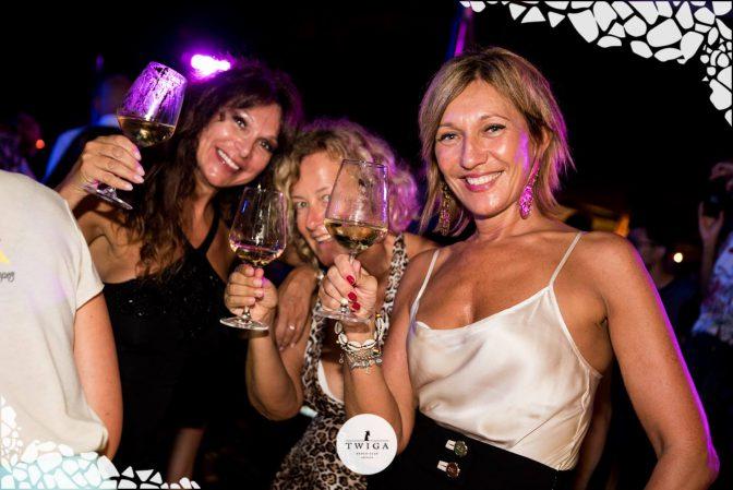 donne in versilia foto discoteca twiga beach