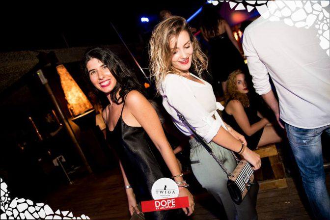 dove ballano le ragazze a forte dei marmi foto discoteca twiga
