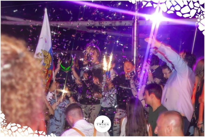 la discoteca più esclusiva d'italia è il twiga versilia