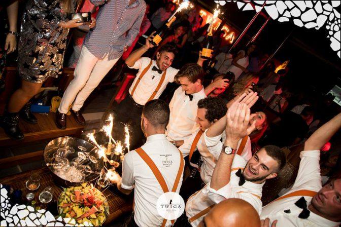 servizio nella discoteca più esclusiva d'italia
